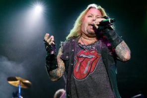 Vince Neil hurt in fall from stage at Tennessee rock festival